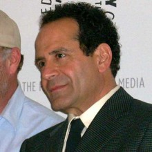 synchronsprecher_tony_shalhoub