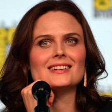 synchronsprecher_emily_deschanel